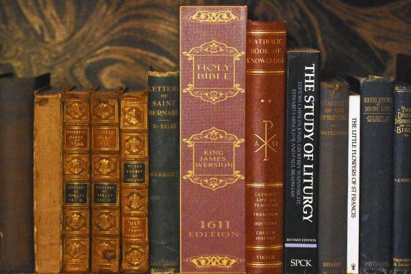 Bible Secret Lockable Book Box-189