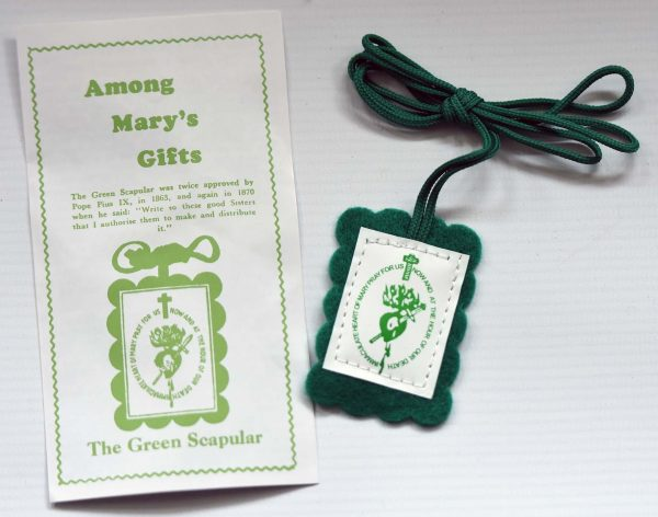 Green Scapular with leaflet-200